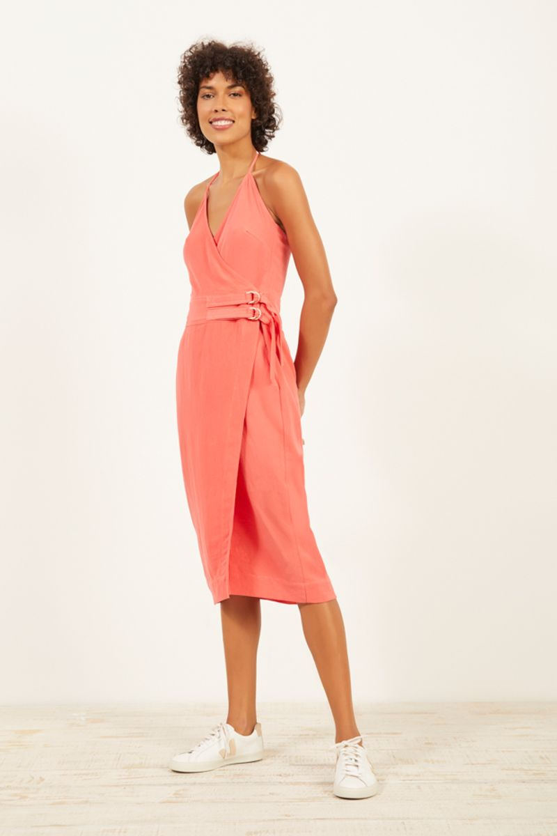 c93833b6d vestido envelope com fivelas
