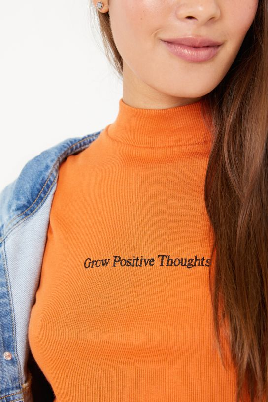 02110275_1696_2-BLUSA-BORDADO-POSITIVE-THOUGHTS