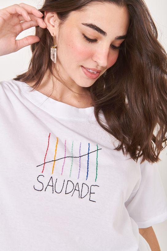 02081842_081_2-TSHIRT-BORDADO-SAUDADE